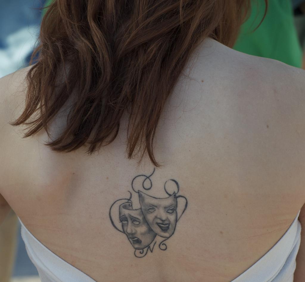 L Origine Et Le Sens D Un Tatouage Sur Le Dos