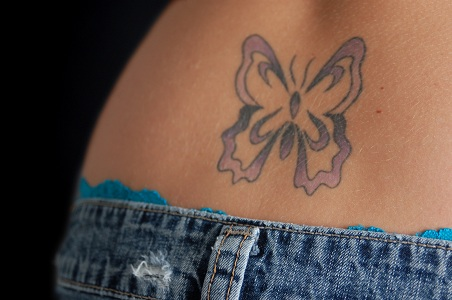 Un Tatouage Papillon Comme Symbole De La Beaute